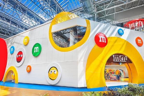 M&Ms Hanging Out At Mall Of America
