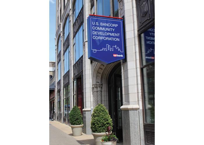 Exterior Signage by Stan Gellman Graphic Design