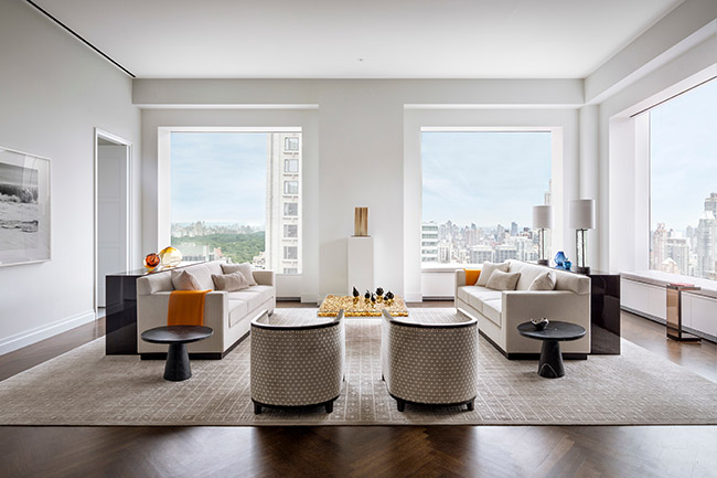 432 Park Avenue, featuring classically modern, gracious rooms and floor plans shaped around spectacular panoramic windows, treating views as central design elements (New York, New York, 2015). Project partners: Rafael ViÒoly Architects; SLCE Architects; Bentel & Bentel Architects; WSP Cantor Seinuk; Schlaich Bergermann and Partner; WSP Flack & Kurtz; Zion Breen & Richardson Associates. Photo: Scott Frances