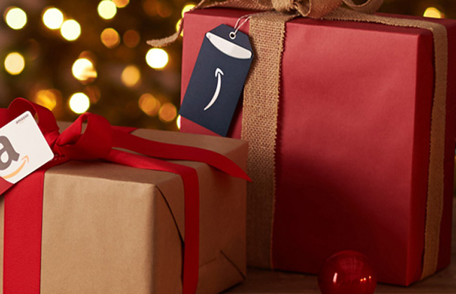 PHOTO_GIFTCARDS_HOLIDAYPHOTO_08122016_03_MAIN_SO-CROP