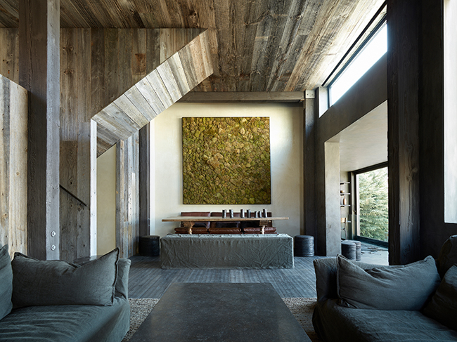 La Muna, a private residence with minimal impact on natural resources that effortlessly merges with its surroundings (Aspen, Colorado, 2011). Photo: Laziz Hamani