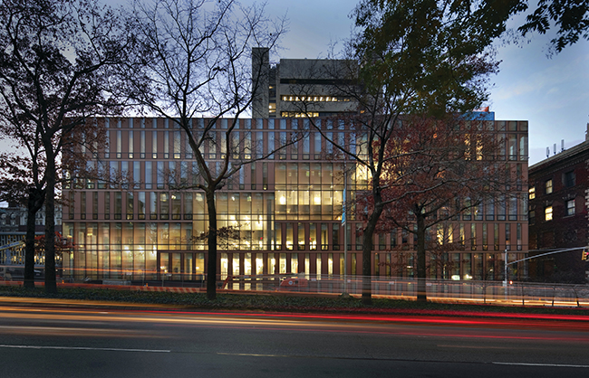 Barnard College Diana Center, a creative arts building that links a series of diagonally interconnected double-height public spaces. Extending the campus lawn upward through the building, the Diana Center creates a luminous lens on the campus and the city (New York, New York, 2010). Photo: Albert Ve?erka/Esto